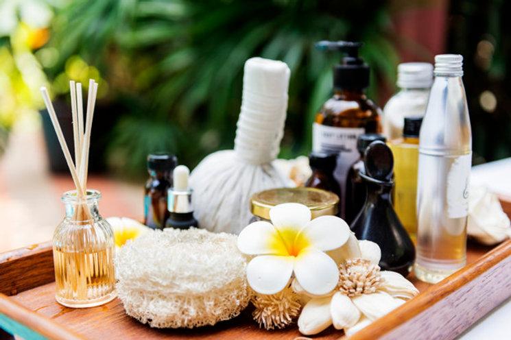 massagem-de-produtos-de-spa-e-cuidados-c