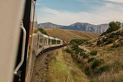 긴 기차 타고