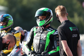 Double 6 for Archer at Oulton Park