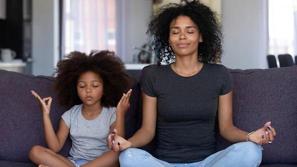 meditacao-com-crianca-1579205384113_v2_9
