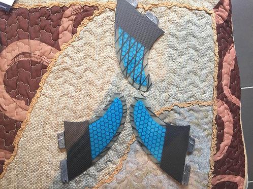 FCS II TROPICAL SERIES BLUE PC CARBON TRI FINS