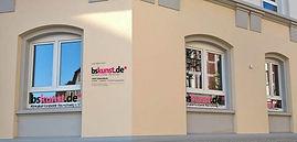 bskunst-Fensterfront_Jahnstraße.jpg
