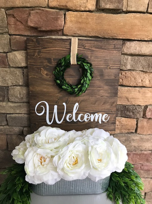 Welcome sign with Wreath