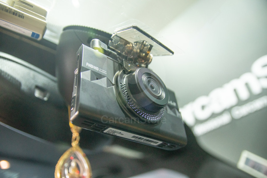 ตัวอย่างการวางตำแหน่งกล้องหน้า ให้ตรงกลางกับแกนกระจกมองหลัง