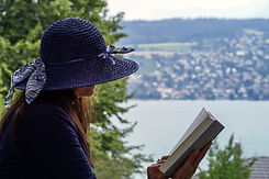 Book Woman Reading Water Hat  Pixabay.jp