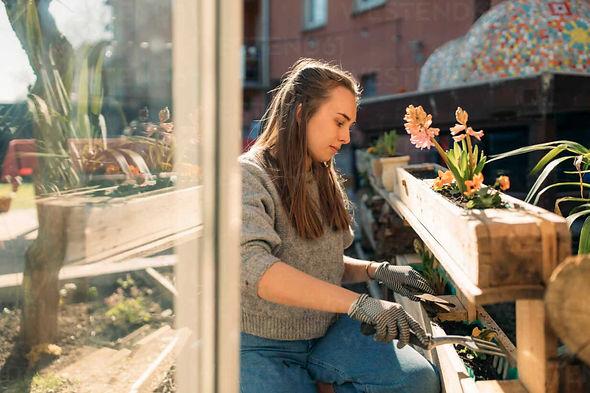 woman-garden.jpg