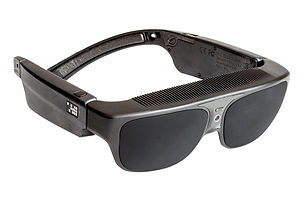nueyes-electronic-magnification-glasses-