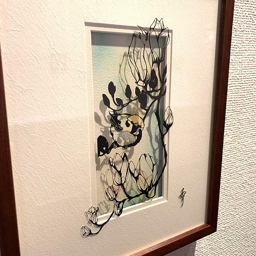 椿あぐり 作「めぐる季節のお庭シリーズ-木蓮と雀-」