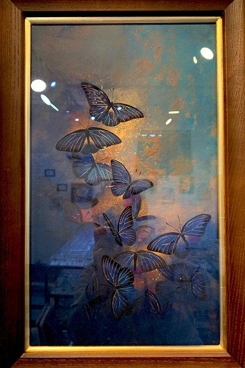 鳩羽杜森 作「帳の蝶」