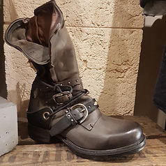 shoes2-min.jpg