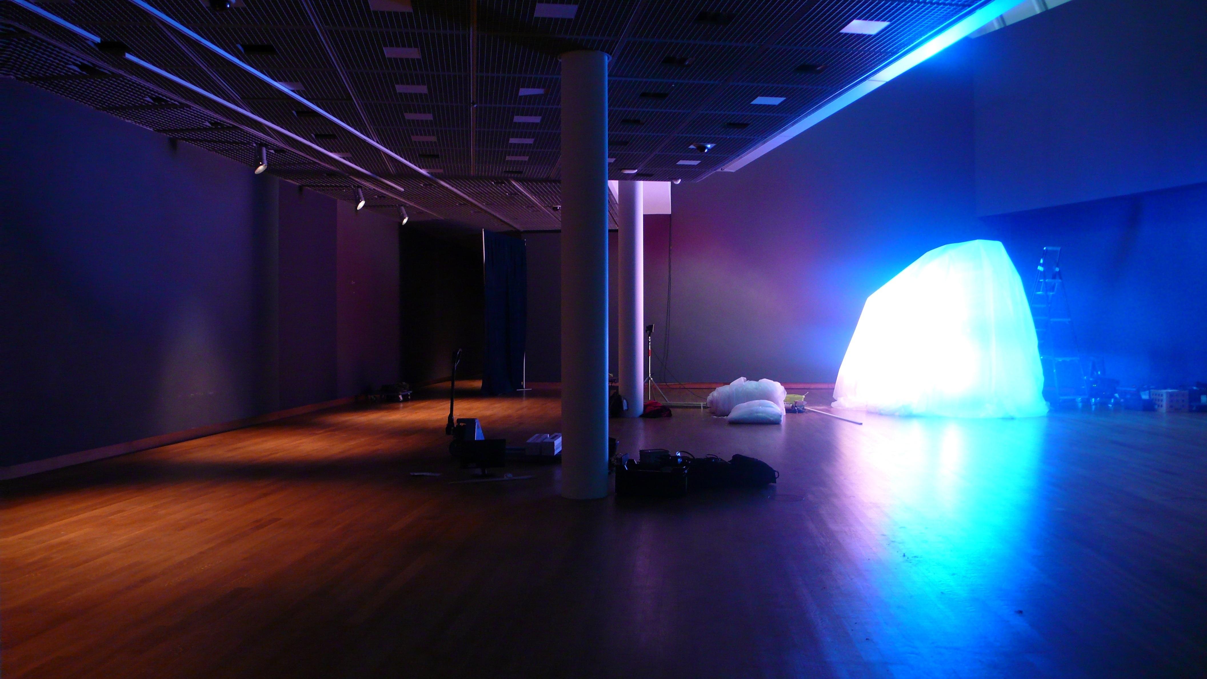Coloured Light Dynamics