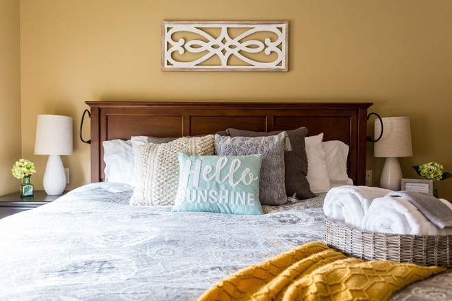 Sofy comphy bed and linens