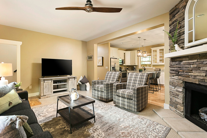 3 bedroom vacation rental with a large living area