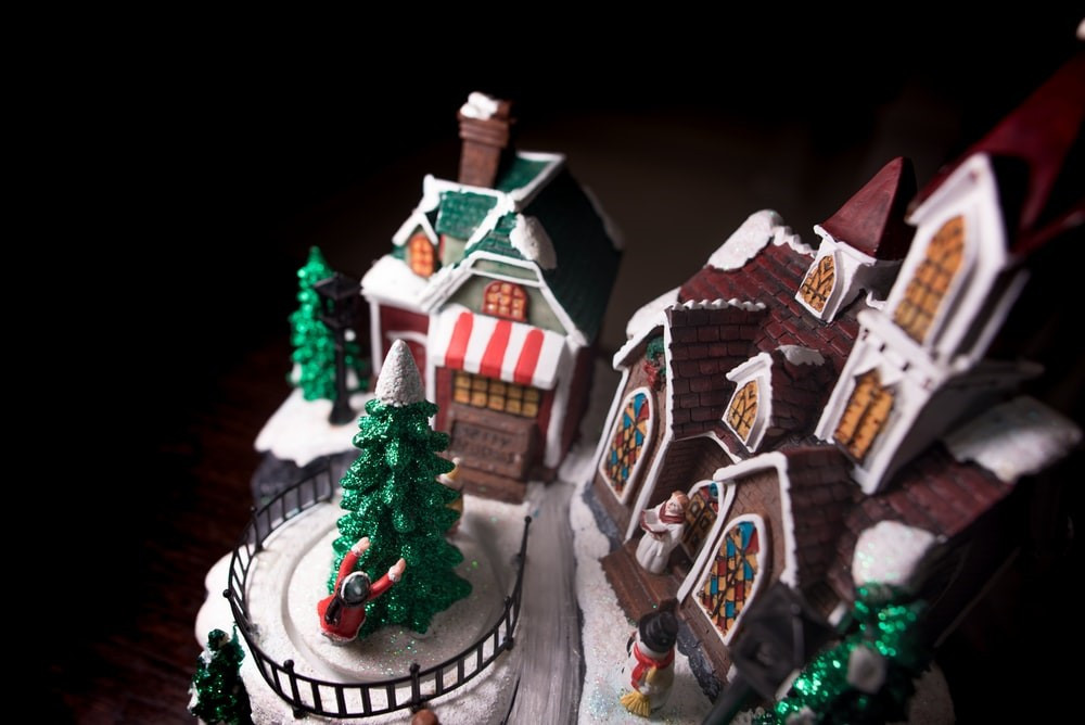 The Grove Park gingerbread houses