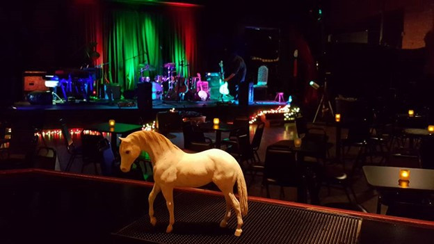 Live music at the White Horse in Black Mountain