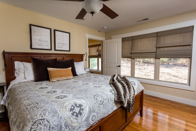 King size beds in all of our Asheville cabin rentals