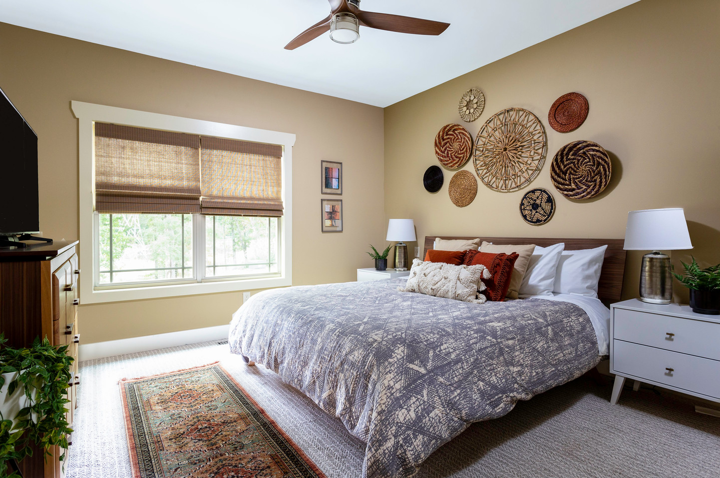 King-sized sleep number bed in this vacation rental