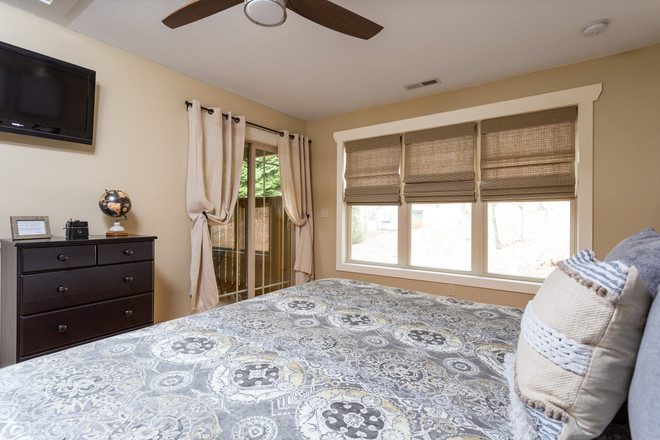 Cabins for rent with king size bed