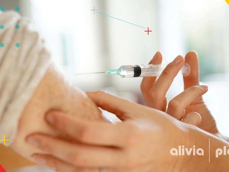Lo que debes saber luego de recibir la vacuna contra COVID-19