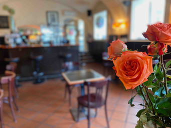 AMACORD-CAFE-RESTAURANT-WIEN-Roses