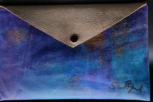 Clutch Honey envelope
