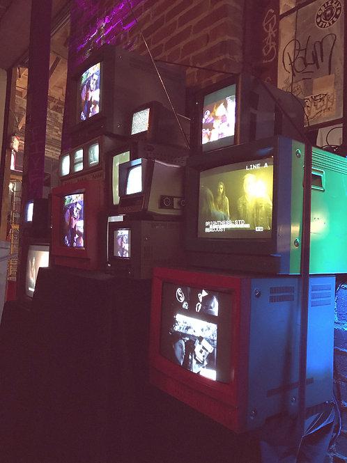 Vintage TV Wall QTY:18