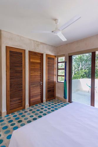 #13 Room Closet View V WW.jpg