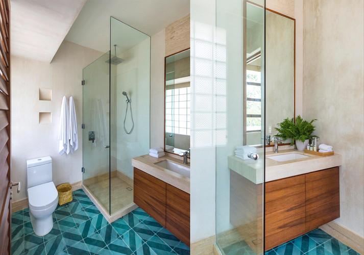 12 Bathroom full WW.jpg