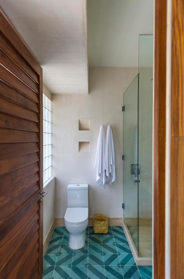 bathroom 12 WW.jpg