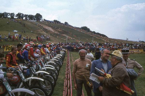 1977a (2).jpg
