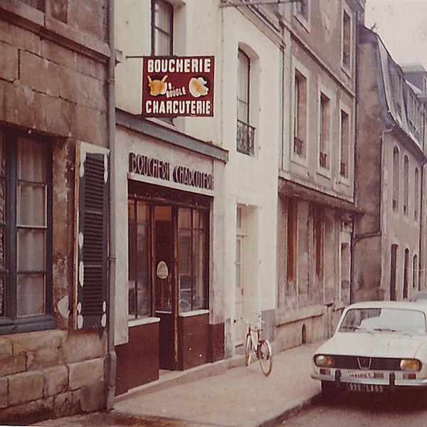 bouglé rue d'alençon.jpg