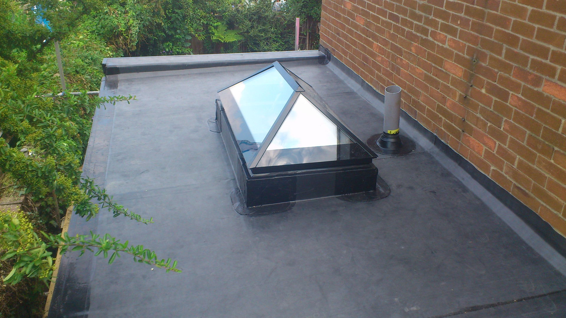 Jamie-Sutton-flat-roof.jpg