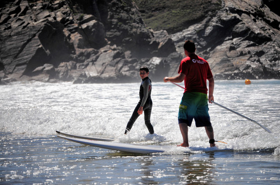 cours de stand up paddle (SUP) en bretagne sud avec l'Ecole de surf de Bretagne de Clohars Carnoet