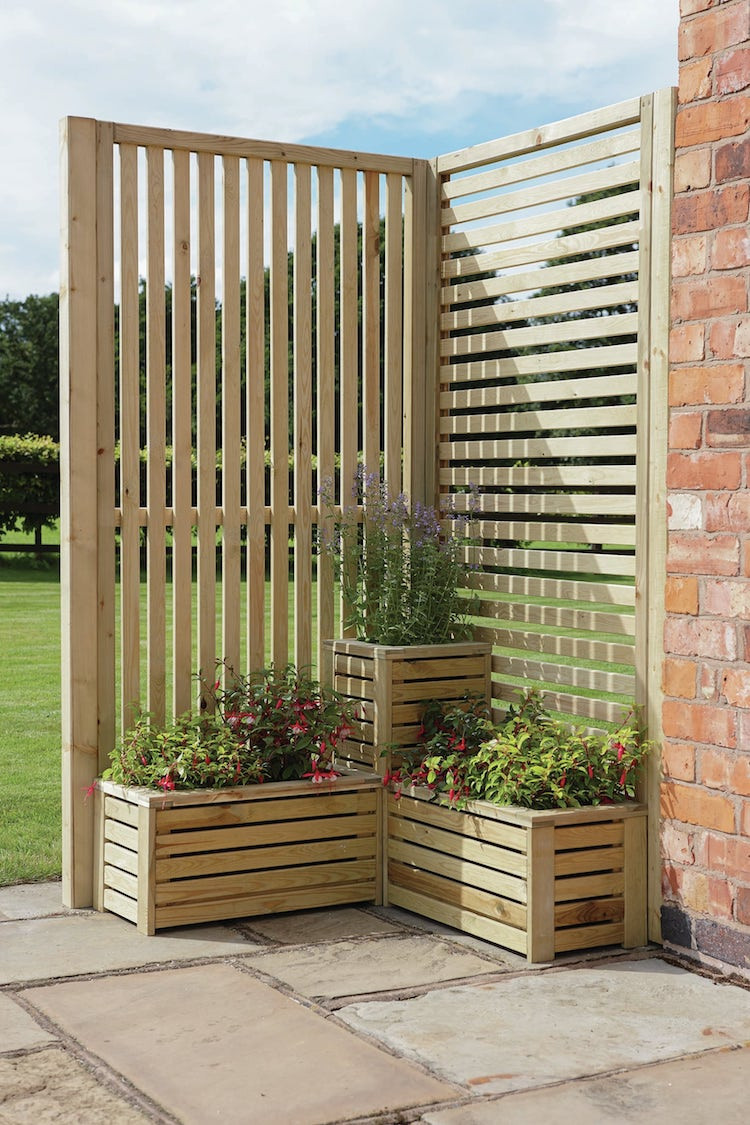 Wooden garden screen and planter