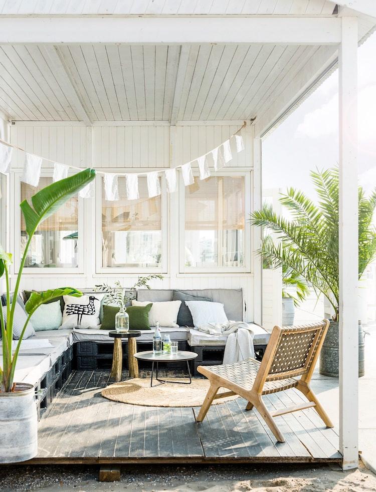 palette sofa garden room