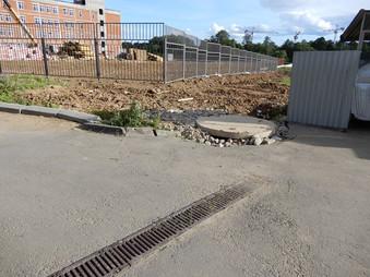 Проблемы ливневой канализации у дома 10 на Сосенском стане