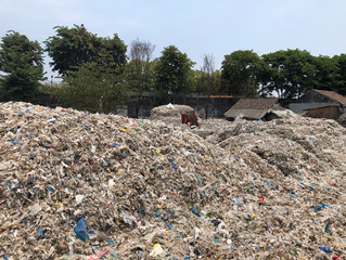 PBB Memutuskan untuk Mengontrol Pembuangan Sampah Plastik Global