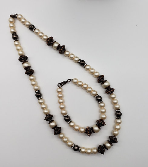 Champagne Pearls with Antique Copper Accents ***Necklace and Bracelet Set