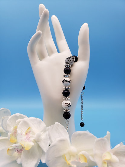 Black & White Beaded Bracelet w/ Silver Accents