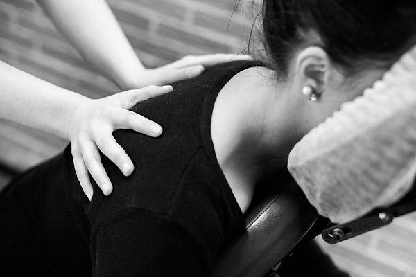 Massage-Amma-assis-2.jpg