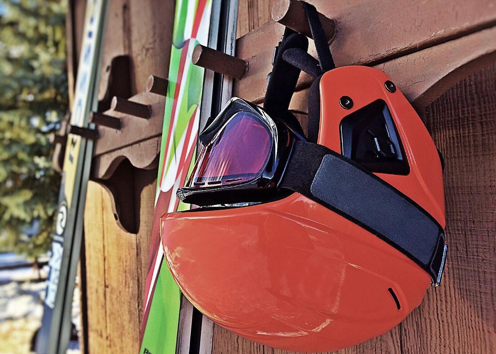 ski et casque de ski