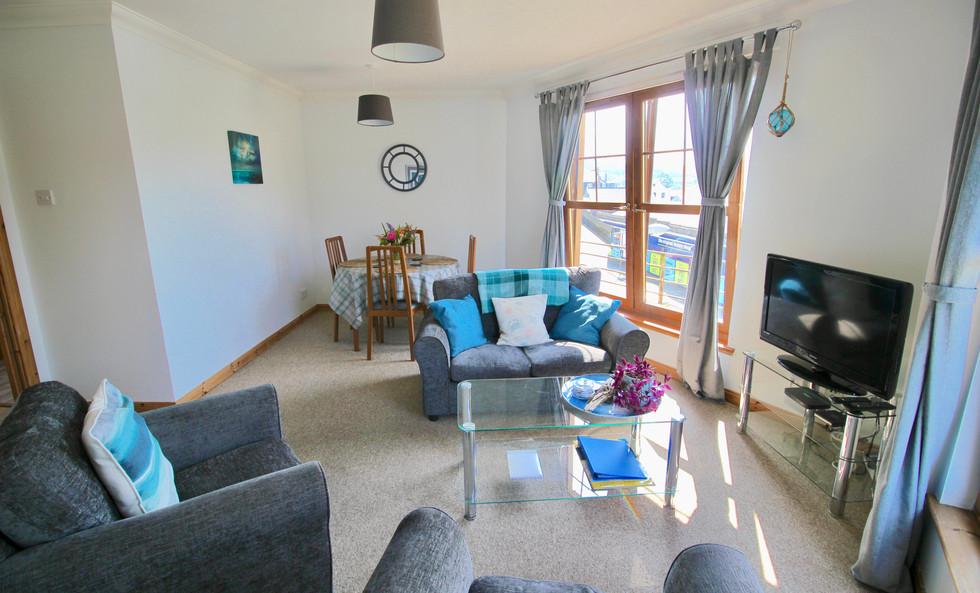 Clamshell living room