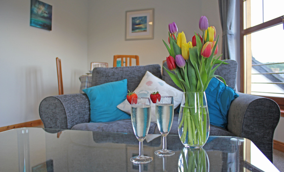 Clamshell living space, fresh flowers for every guest