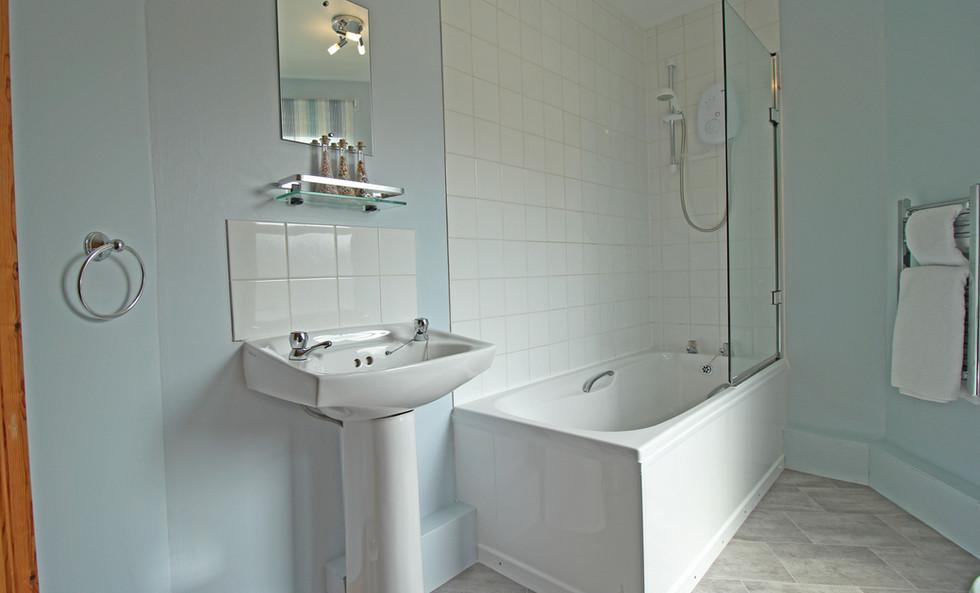 Clamshell bathroom