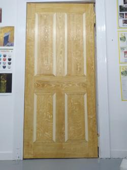 Quartered oak trope l'oeil door
