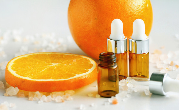 vitamin c serum and its benefits by fatima the ordinary style