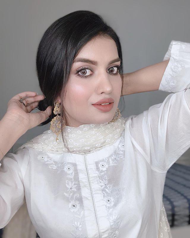 Desi Look of the ordinary girl fatima (its_fama)