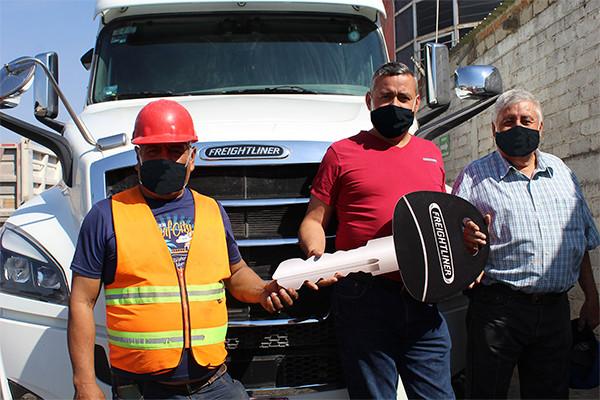 RAG Hermanos integra dos Nuevo Cascadia de Freightliner a su flota