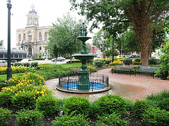 Town_square_of_Lisbon,_Ohio_and_Columbia