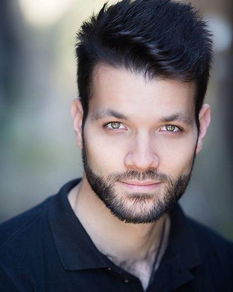 Alexander Ananasso headshot photo bilingual Italian English actor | Foto Alessandro Ananasso attore italiano a Londra